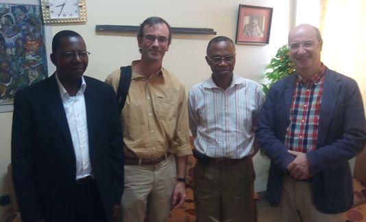 Samuel Mapunza avec des formateurs Belges et le Doyen de la faculté de Médecine JM Kayembe