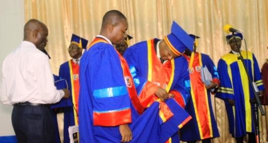 Le CT Bayauli Pascal a rejoint la grande famille des PhDs à la faculté de Médecine