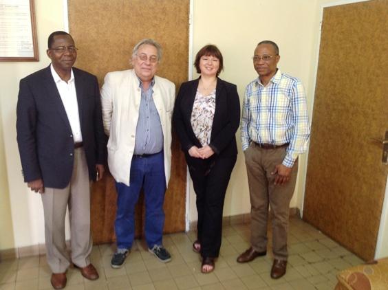 Le Professeur Philippe Corten en visite au bureau du Doyen