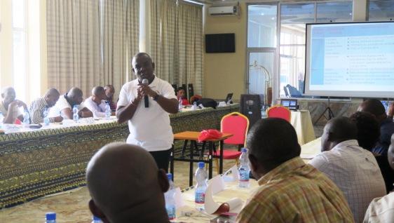 Cours de Management de lutte contre le Paludisme animé notamment par le Professeur H. Situakibanza