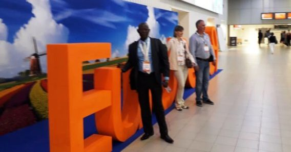 Le professeur BOLENGE au congrès de la Fédération Européenne de Parodontologie
