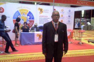Le Professeur Mpolesha à Mozambique